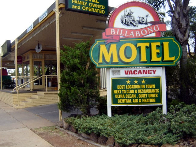 Billabong Motel
