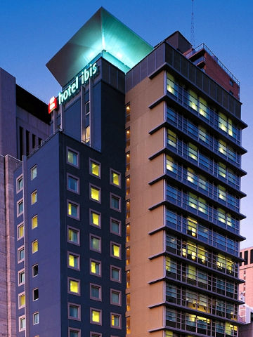 Hotel Ibis World Square - Accommodation ACT